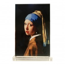 Johannes Vermeer -- Girl with a Pearl